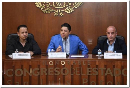041021 Foto 0061 PRESENTA RICARDO GALLARDO INICIATIVA PARA GRATUIDAD DE LICENCIAS DE CONDUCIR (2)